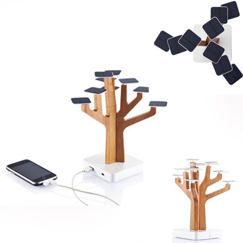 Подробности на.  Подзарядное устройство в виде дерева из натурального бамбука с солнечными батареями.