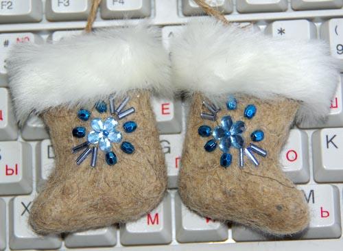 Валенки сувенирные (мини) , оформление - есть разные варианты - на выбор , 100% натуральная шерсть.